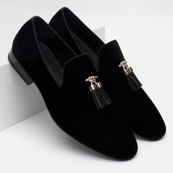 4bbae2b6eb7 NWT ZARA Men s Black Velvet Loafers With Tassels
