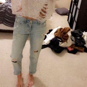 Hollister Boyfriend Jeans!!