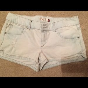 SO blue jean distressed shorts