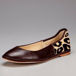 Gorgeous Designer Flats- Size 8.5 🦋🐞🐝