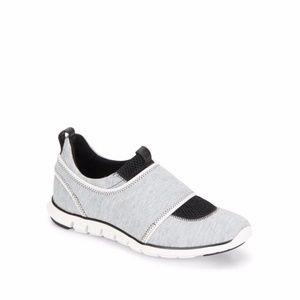 New Cole Haan Zerogrand Slip-on Sneaker Size 7