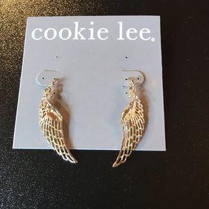 NWT Cookie Lee Gold Toned Angel Wings Earrings