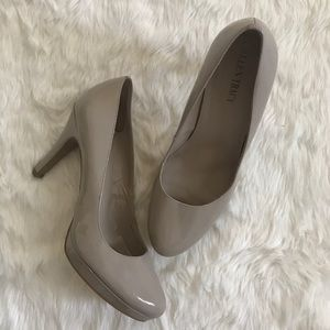 Ellen Tracy Nude Platform Pumps Heels Size 7.5