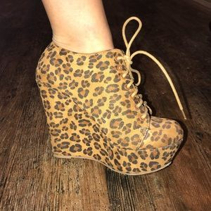 Shoes - Cheetah Print booties, heels size 7
