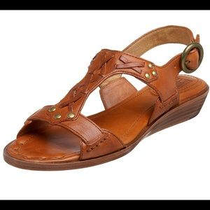 Frye Avery T Strap Leather Sandals- Size 8.