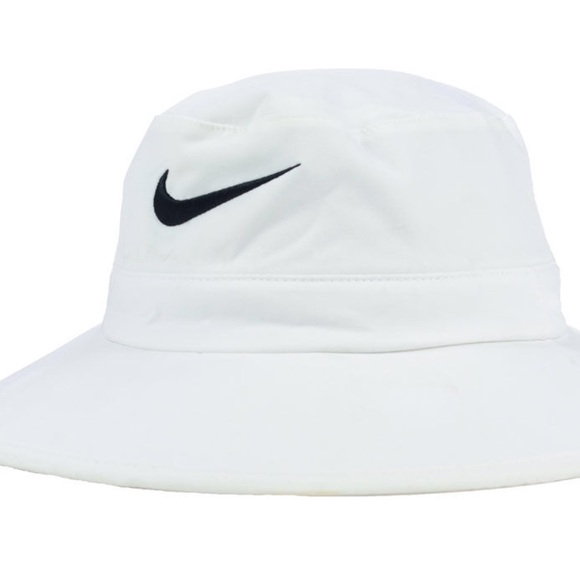 4a57558b18c Nike golf bucket hat. M 5a29680f713fde96a201269d