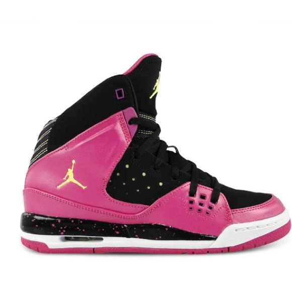 buy popular 27c43 8947f Nike Air Jordan Girls Basketball shoes 4.5 youth