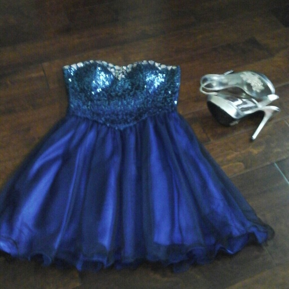 Masquerade Dresses   Gorgeous Fairytale Sequined Prom Dress Size 7 ...