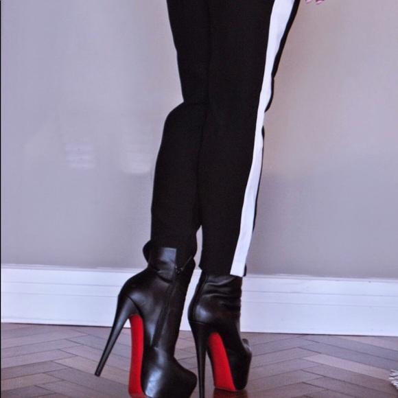 5bf1393aac92 Christian Louboutin Shoes - Christian Louboutin Daf Black Leather 39.5