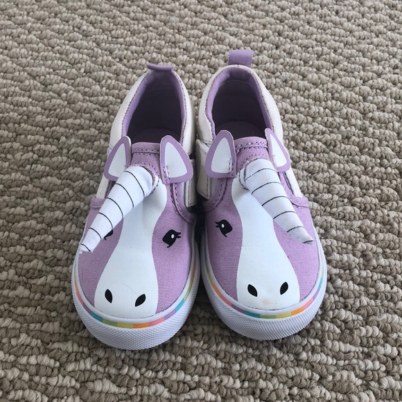 Limited edition Vans Asher V unicorn shoes NWOT. M 5a2971adb4188e710f013df8 e9738290e