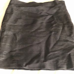 Bodycon guess skirt