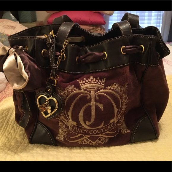 c08e37cf3e Juicy Couture Handbags - Juicy Couture 👑 Brown Velour Daydreamer Handbag