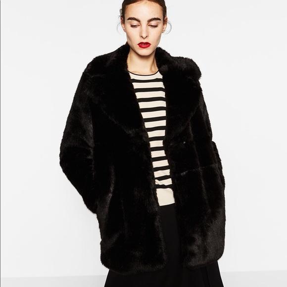 eec3ad2e7d Black Zara woman faux fur coat