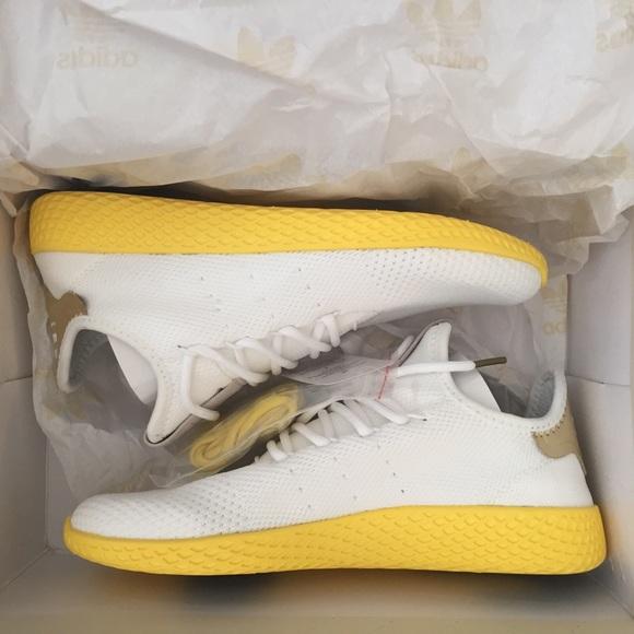 le adidas originali pharrell tennis hu giallo poshmark