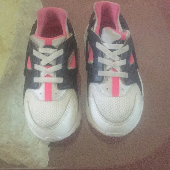 reputable site d7c13 caf30 Pink , white , and Grey Huaraches