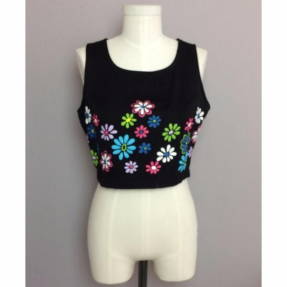 bc82274fe38f2d Vintage Floral Button Back Crop Top. M 5a2980097fab3ac7340180e8