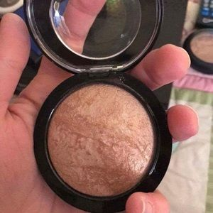 MAC soft and gentle mineralize-skinfinish