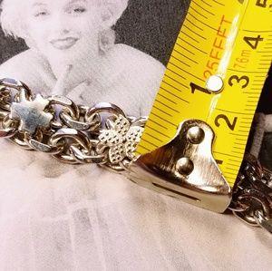 Vintage Jewelry - Vintage silvertone 4 leaf clover floral bracelet.