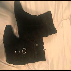 NWOT Black White Mountain Boots