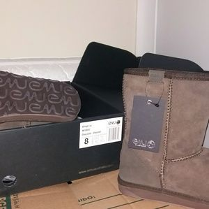 EMU boots size 8W