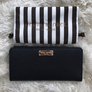 Henri Bendel snap wallet