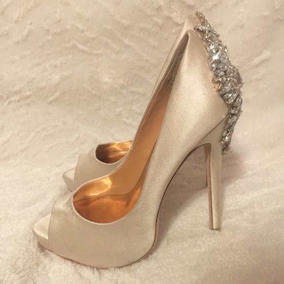 417c35936 Badgley Mischka Shoes - Badgley Mischka Kiara Pumps Size 5 Wedding Shoes