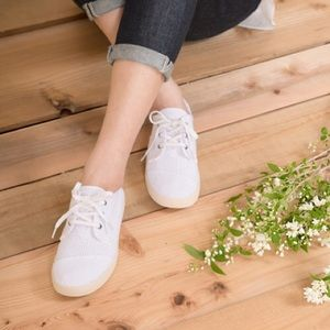 Toms White canvas perforated paseos