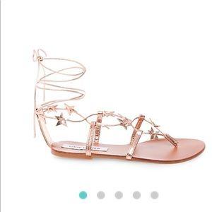 7a467b13509a Steve Madden Shoes - 💫STEVE MADDEN JUPITER GOLD STAR SANDALS💫