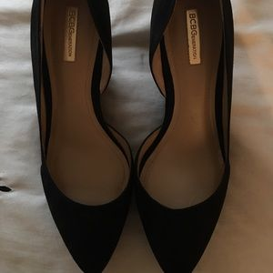BCBG WEDGE HEELS. New without tags