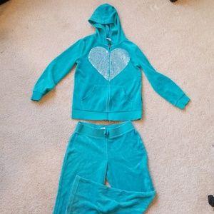👧🤸♀️ Circo 2pc velour outfit