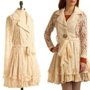 💟RARE Modcloth Lace Coat