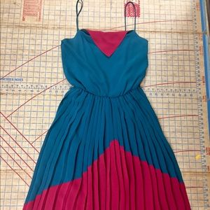 Vintage pleated  Kay Unger dress size small