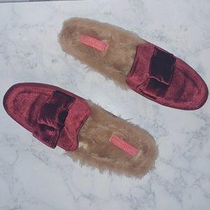 🆕Catherine Malandrino Furrow Ruby Red flat mules