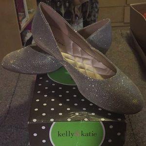 Kelly & Katie KK Frances gold glitter fab flats