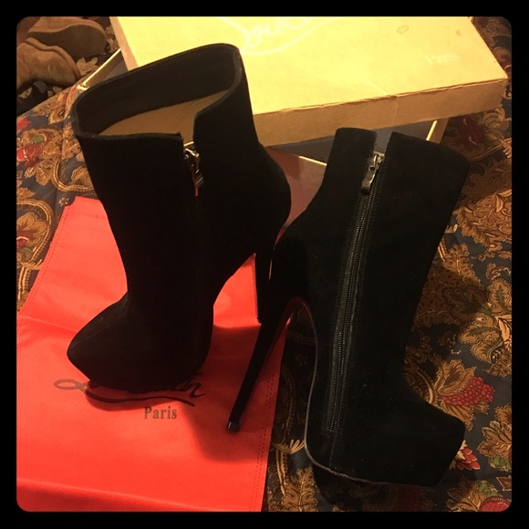a79902b7154 Black faux suede Red Bottom boots
