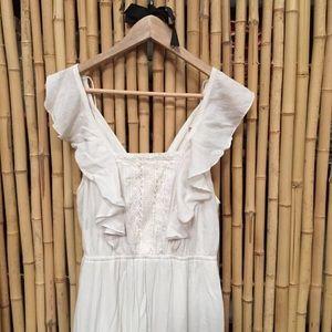 Beautiful flowy white dress