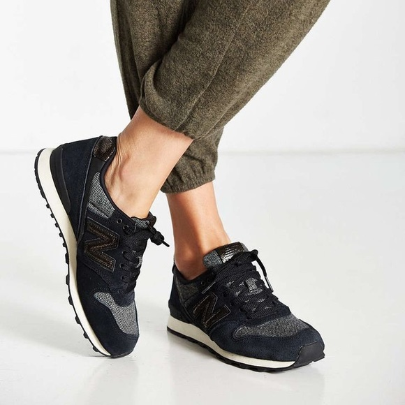 brand new 98777 715f0 New Balance Women's 696 Suede Sneakers US 8.5