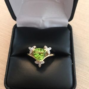 14K Peridot & White Topaz Yellow Gold Ring Sz 7