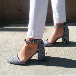 🆕//The Sherri// Black and White houndstooth heel