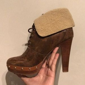 Brand new Michael micheal Kors healed boots