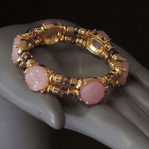 NWOT Gold stretch W pink stone bracelet LTDB85nc