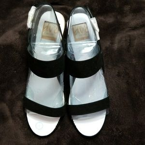 BRAND NEW Dolce Vita black sandals SIZE 9m