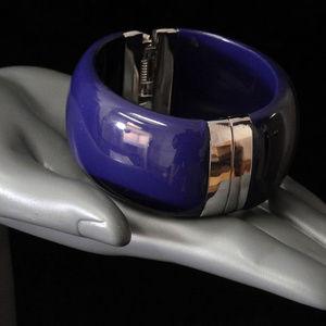 NWOT Dark purple w silver hinge bracelet LTDB97nc