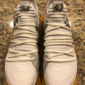 ef5782dec9b8 Nike Shoes - ⭐️NIB MENS NIKE KDX (PICS INSIDE)⭐️