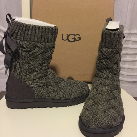 New in box Lottie Ugg kids 3 also fits women's 5
