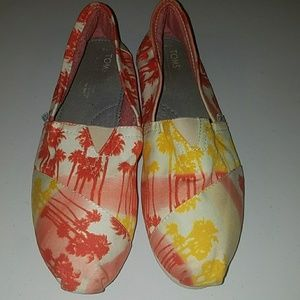 Tropical toms
