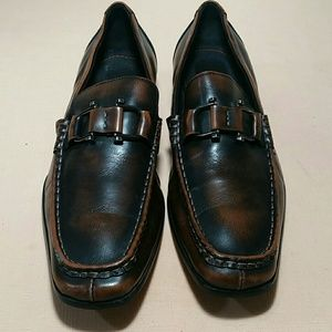 ROBERT WAYNE Brown Loafers Size 8
