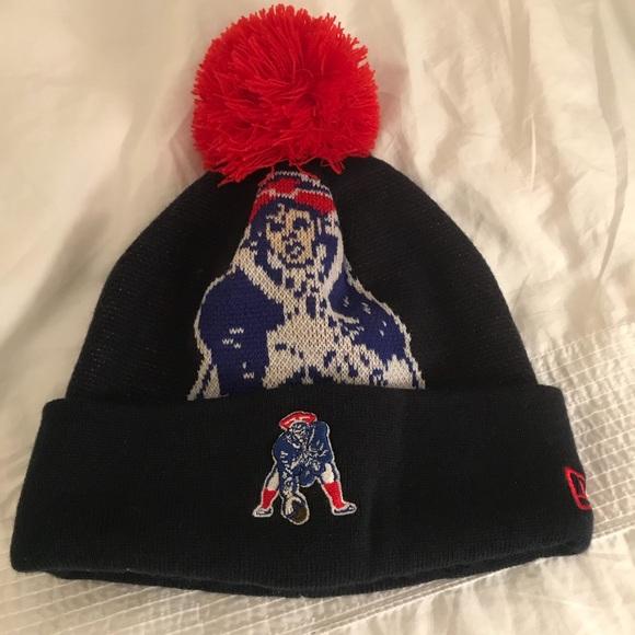 NFL Patriots Winter Hat with Pom Pom. M 5a29e5ffb4188eb51e003df5 ceca3b142
