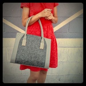🔴⬇️ to $40-As low as it's going‼️Adriel's Tote