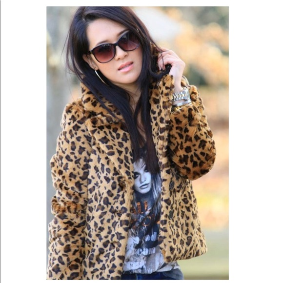 235f03462208 Banana Republic Jackets & Blazers - Banana Republic Faux Fur Leopard Jacket